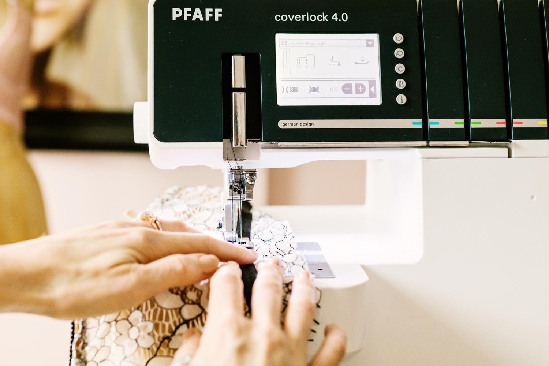 pfaff coverlock 4.0